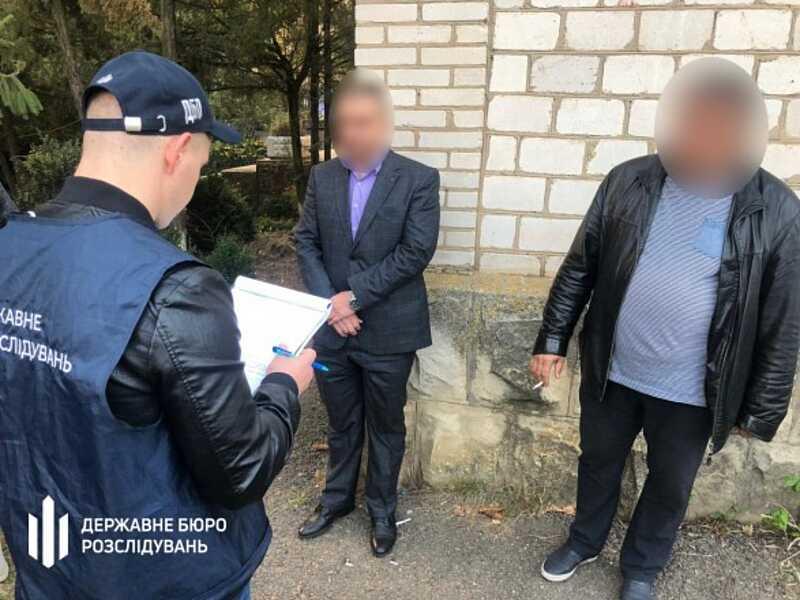 Затримали двох інспекторів-фіскалів з Вінниччини при отриманні 15 тисяч доларів!
