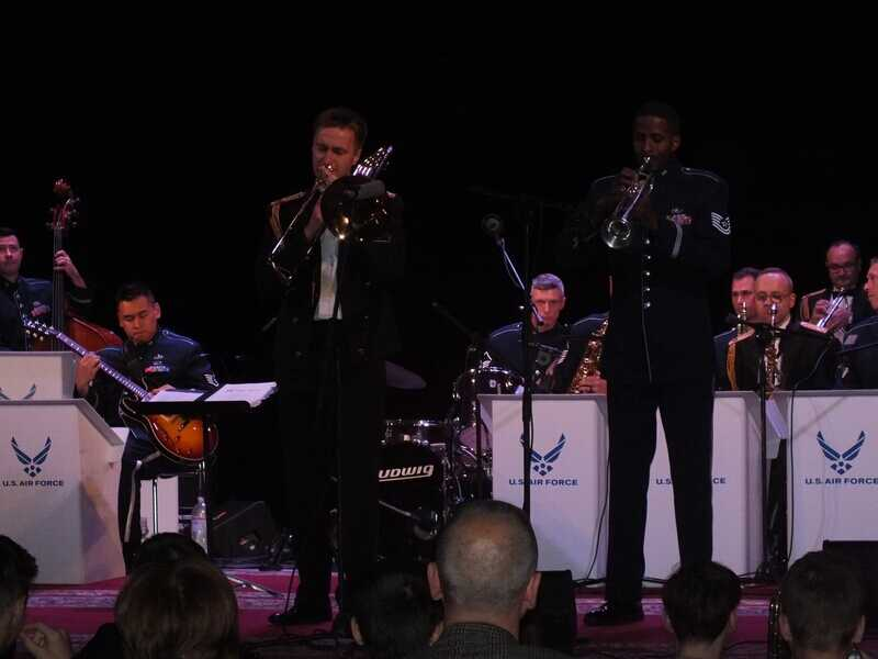 Оркестр американських військово-повітряних сил виконав у Вінниці козацький марш із елементами джазу