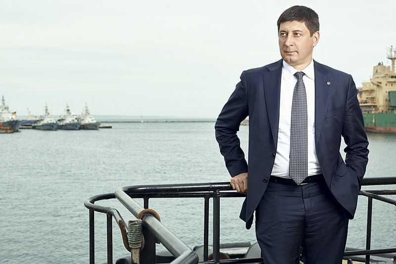 Ігор Ткачук більше не директор Одеського порту. Чому його звільнив міністр та назвав антигероєм?