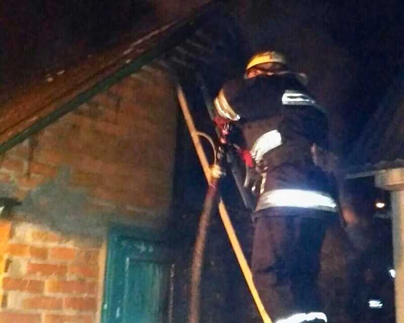11 рятувальників гасили сьогодні вранці гараж у Вінниці