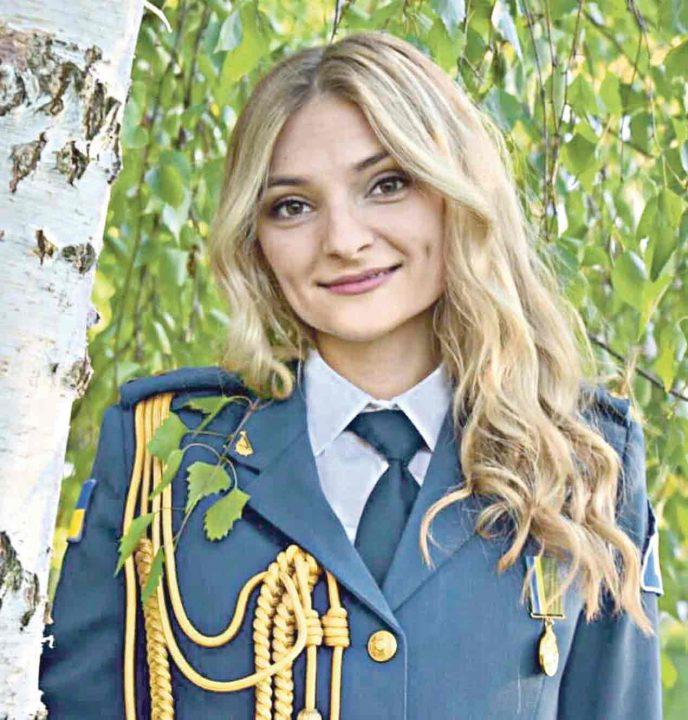 Перша в Україні жінка-військовий диригент оркестру Повітряних сил Збройних cил України у Вінниці