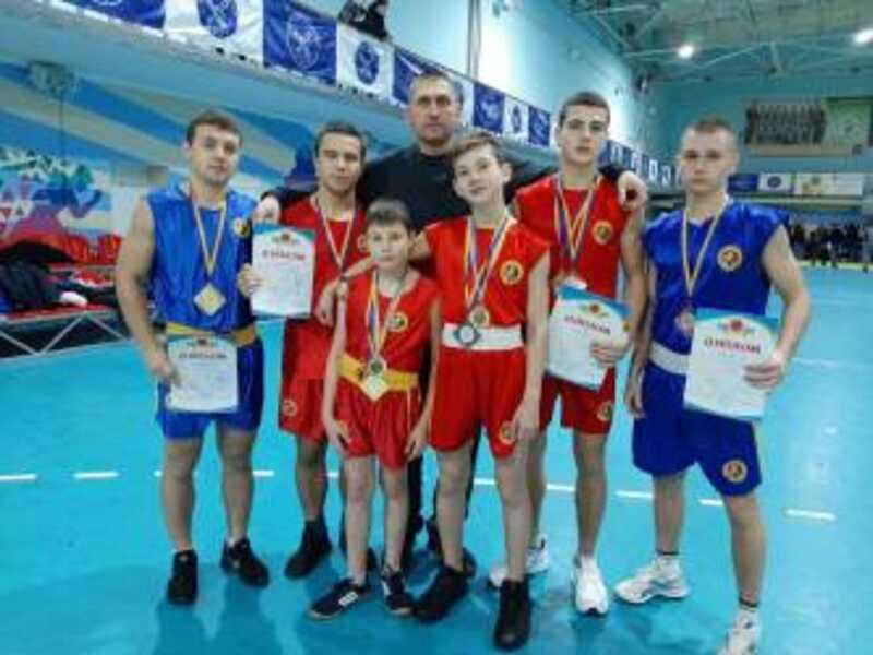 Спорстмени з Ладижина привезли 12 медалей