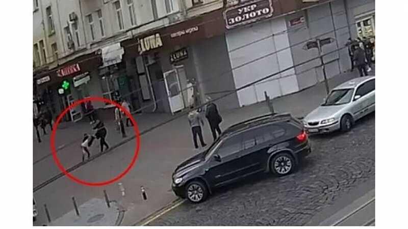 Поліція Вінниці знайшла водія БМВ, який побив пішохода на Соборній (відео)