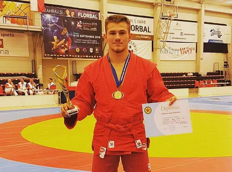 «Бронзу» із бойового самбо в Кореї завоював вінничанин Петро Давиденко