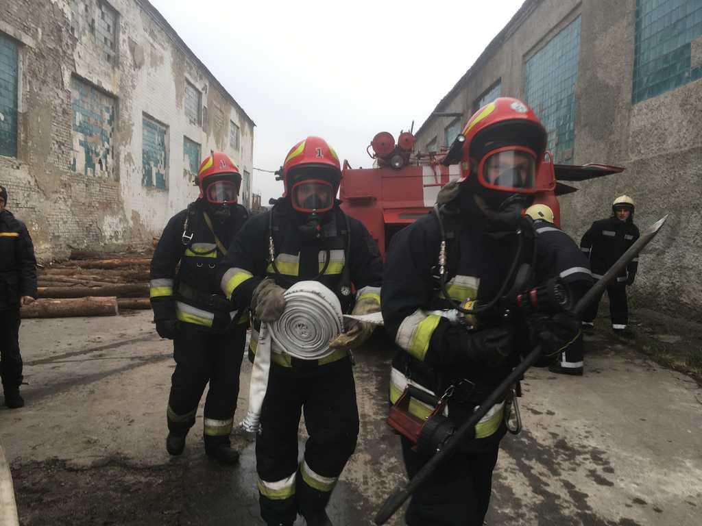 Вінницькі рятувальники провели навчання у Стрижавській виправній колонії