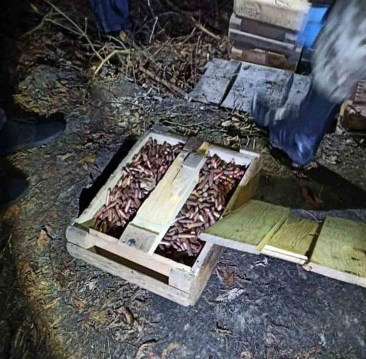 Гранатомет, 20000 патронів, іншу зброю викопали на території «Ягуара»