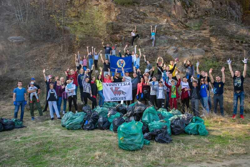 Півтори тонни сміття зібрала вінницька молодь, яка влаштувала еко-забіг