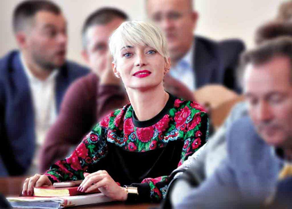 Губернатору Вінниччини затвердили трьох заступників. Двоє із них – люди Гройсмана. Наталя Заболотна – кума нардепа Борзової