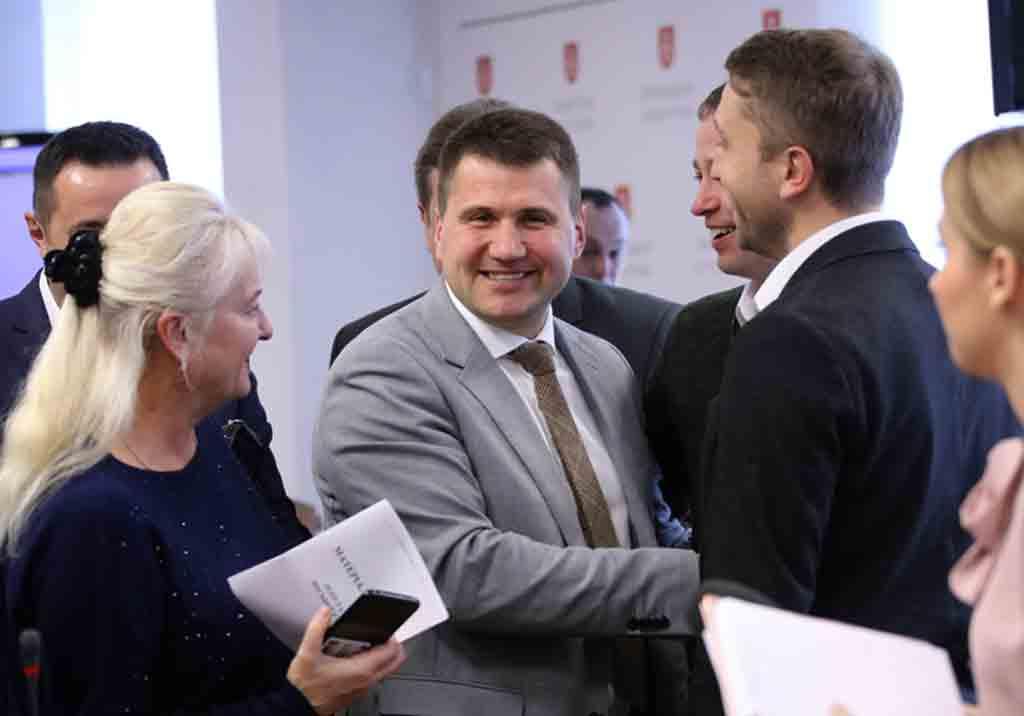Мінус 4 депутати в місті та області