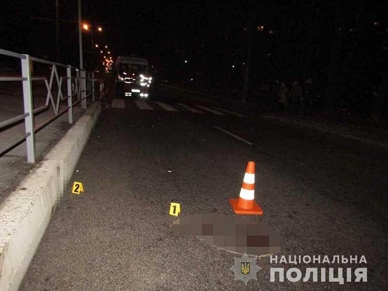 Під колесами автівки загинула вінницька пенсіонерка. У водія не було посвідчення
