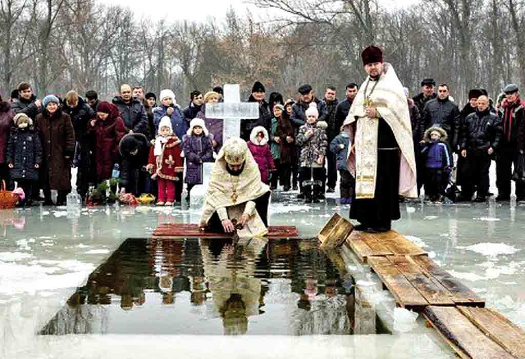 Йорданська вода має цілющу силу Водохреща, Хрещення чи Йордан – народно-релігійне свято, котре православні та греко-католики відзначають 19 січня