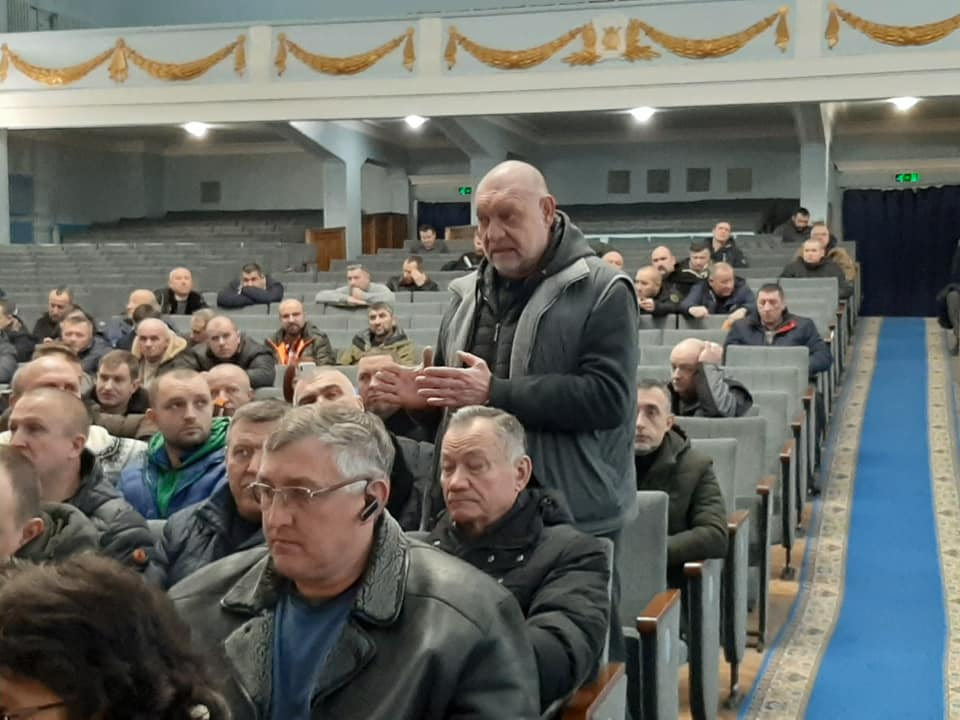 – Нас не бояться! Їм нас…ти на нас? З'їзд АТОвців та волонтерів у Вінниці – як це було і про що йшла мова в Будинку офіцерів? (відео)