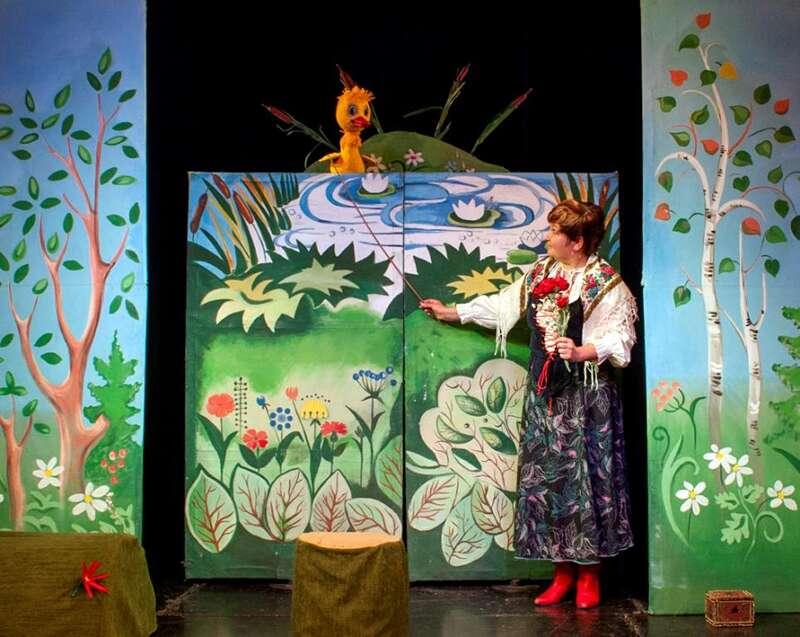 """15 лютого запрошуємо на казку-гру """"Гусеня"""" до Вінницького академічного театру ляльок (для дітей від 3-х років)"""