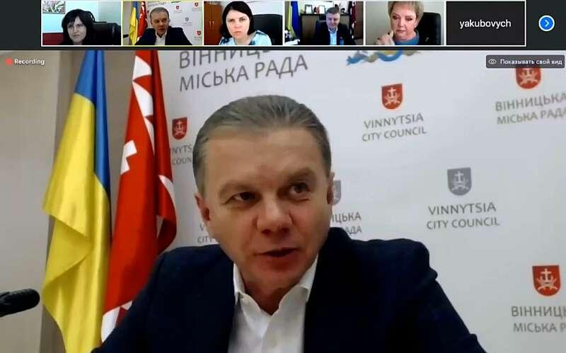 Транспорт у Вінниці буде возити лише медиків і працівників стратегічних підприємств (відео)