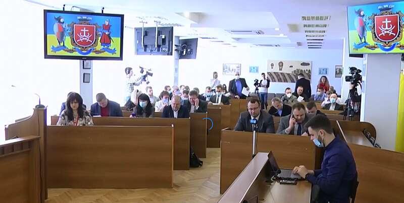 У Вінниці відбулась позачергова сесія міської ради з приводу коронавірусу (відео)