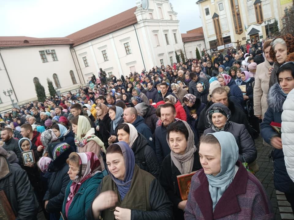 """У неділю віряни МП провели хресний хід """"За торжество православ'я"""" (відео)"""
