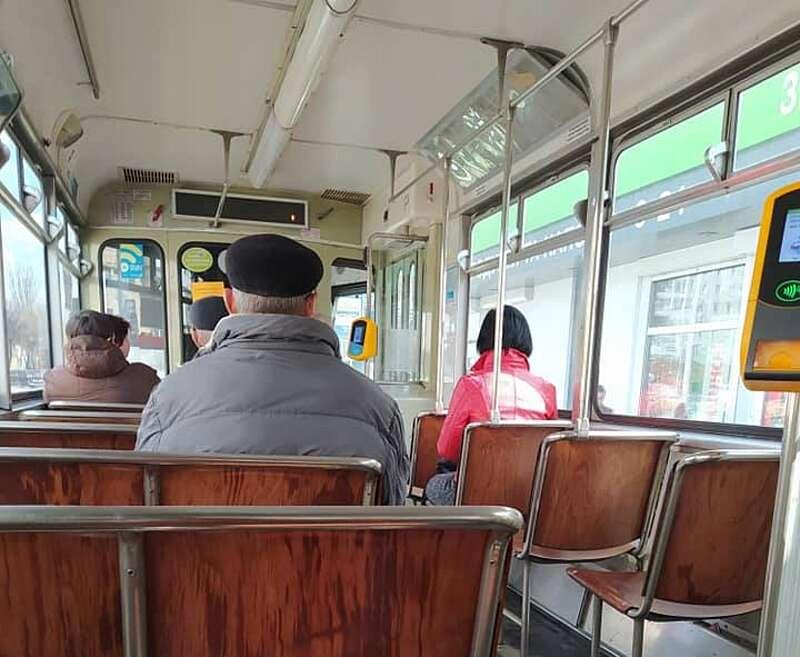 Пенсіонерам скасували пільги у транспорті Вінниці із 5.30 до 10 і з 17 до 21 години, щоб медики і всі працюючі могли доїхати до роботи (відео)