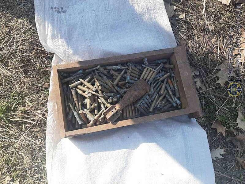 На Вінниччині чоловік торгував боєприпасами