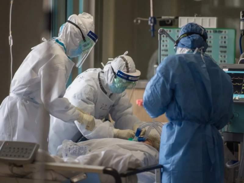 Брехня і провінційна безпечність допомагають коронавірусу вражати українців