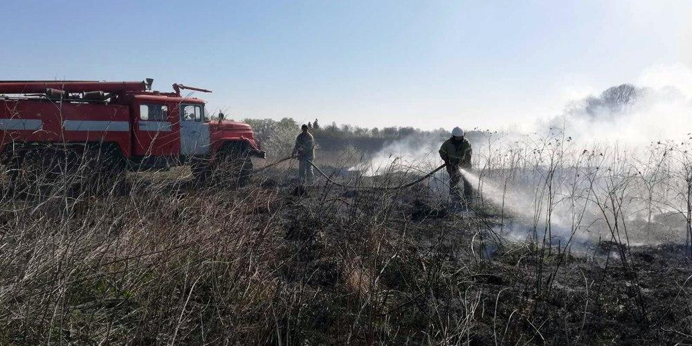 У Великодню неділю вінницькі рятувальники 15 разів гасили пожежі