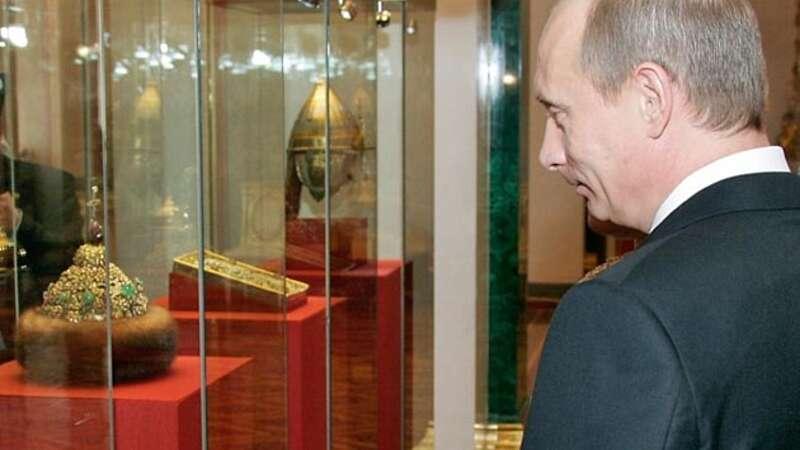 Путіна вчора мали коронувати. Всі розуміли, що референдум 22 квітня мав дати йому безстрокове управління Росією