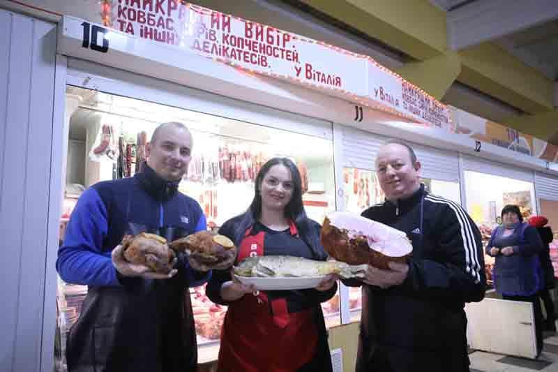 """Найкращі м'ясні та рибні делікатеси """"У Віталія"""" можна купити в центрі Вінниці в """"Каравані"""" на Грушевського!"""
