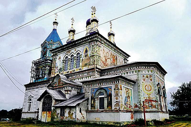 Унікальний храм, розписаний ззовні, зберігся на Вінниччині