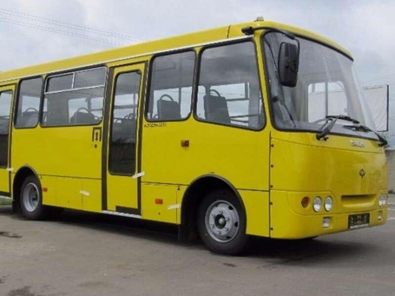 Маршрутки сьогодні відновлять роботу на Вінниччині. Пасажири лише на сидячих місцях!