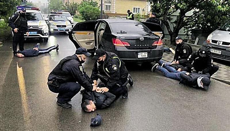 «Хуторяни» і охорона Московського патріархату. Люди із ОЗУ 2-х вінницьких депутатів стріляли у Броварах