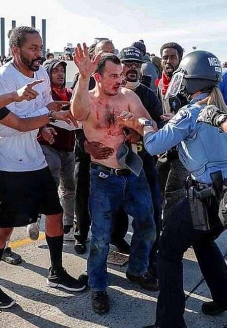 Уродженця Вінниччини побили та арештували в США. Дипломатів закликають звернутись до Трампа!