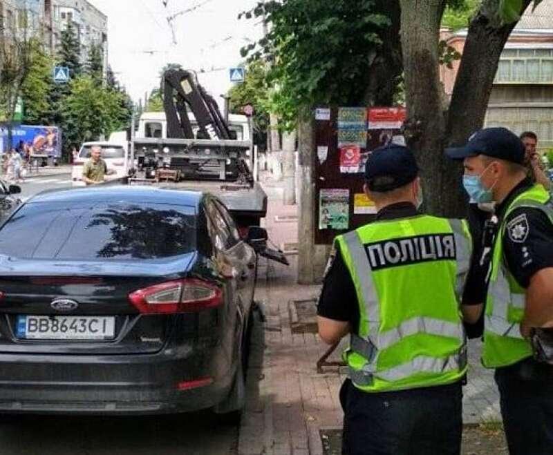 """У Вінниці вже є перші """"жертви"""" евакуатора!"""