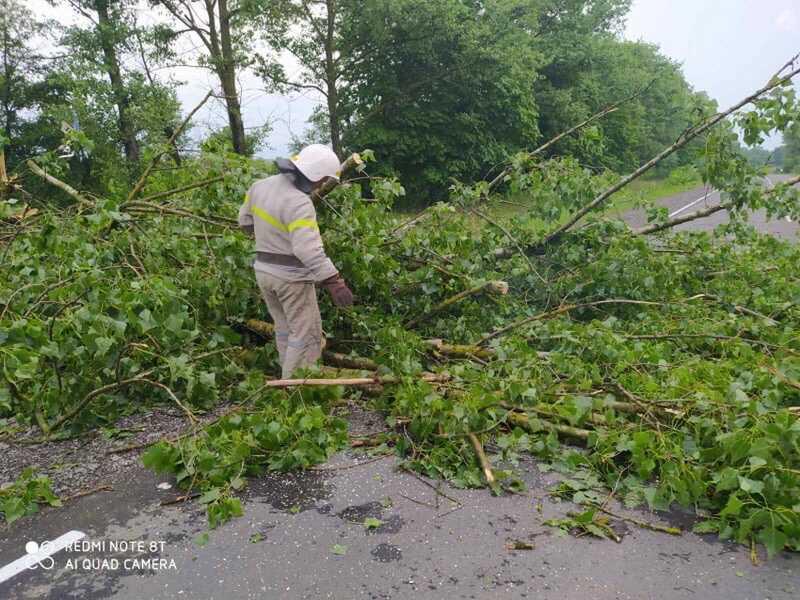 Нічний шторм наробив біди на Вінниччині