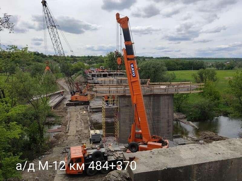 На автотрасі М-12 ремонтують два мости. Коли завершаться ремонтні роботи?