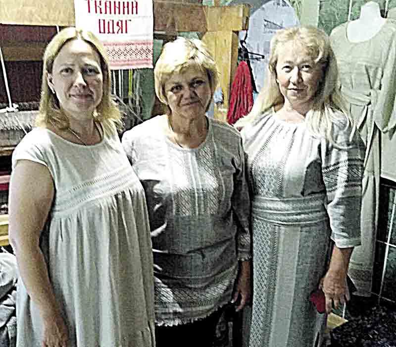 Прабабусин ткацький верстат досі працює в умілих руках майстрині