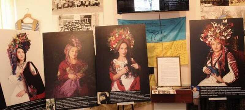 У Козятині відкрили виставку, яку присвятили матерям загиблих бійців