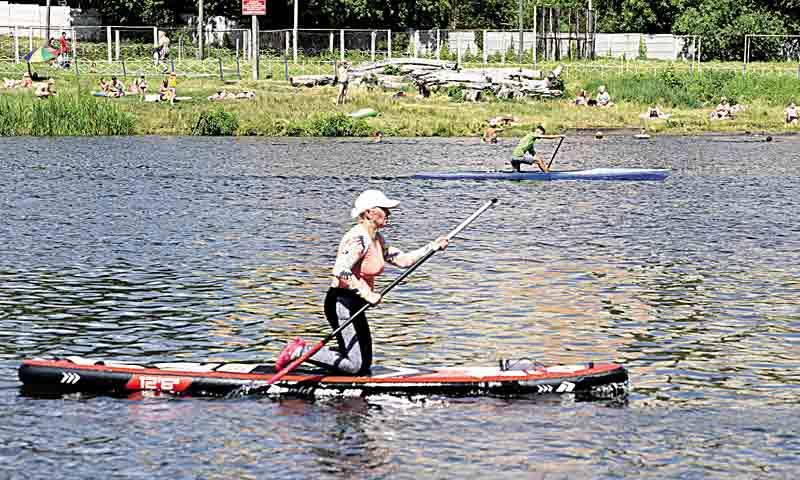 Як навчитись плавати на сапі. Водний серфінг у Вінниці стає найактуальнішим спортом влітку