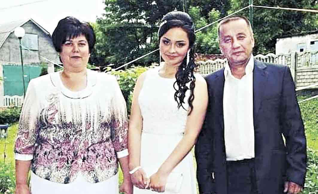 За три дні батька та маму втратила через коронавірус Настя з Тиврова