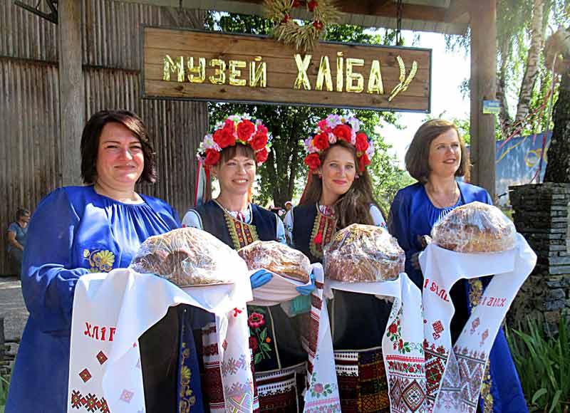 На Спаса святкували обжинки і фестиваль хліба у Білопіллі