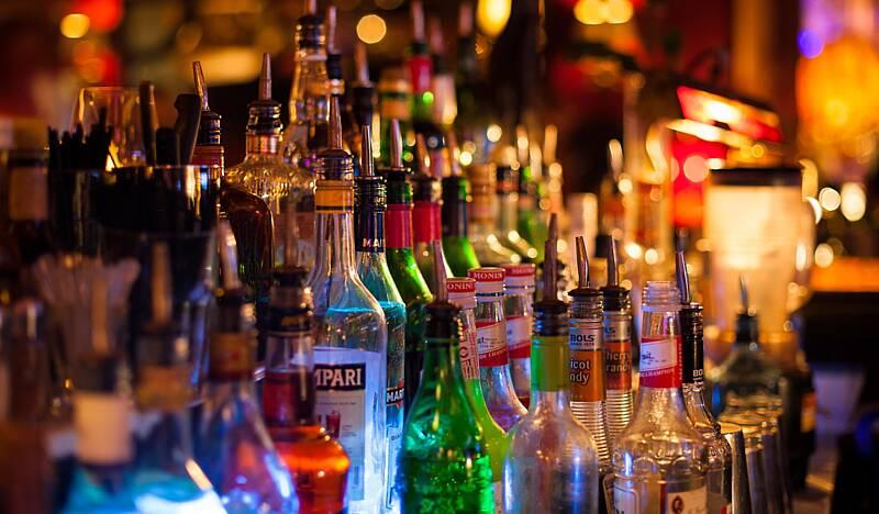 Ціни на алкоголь збільшуються, а покупців не зменшується
