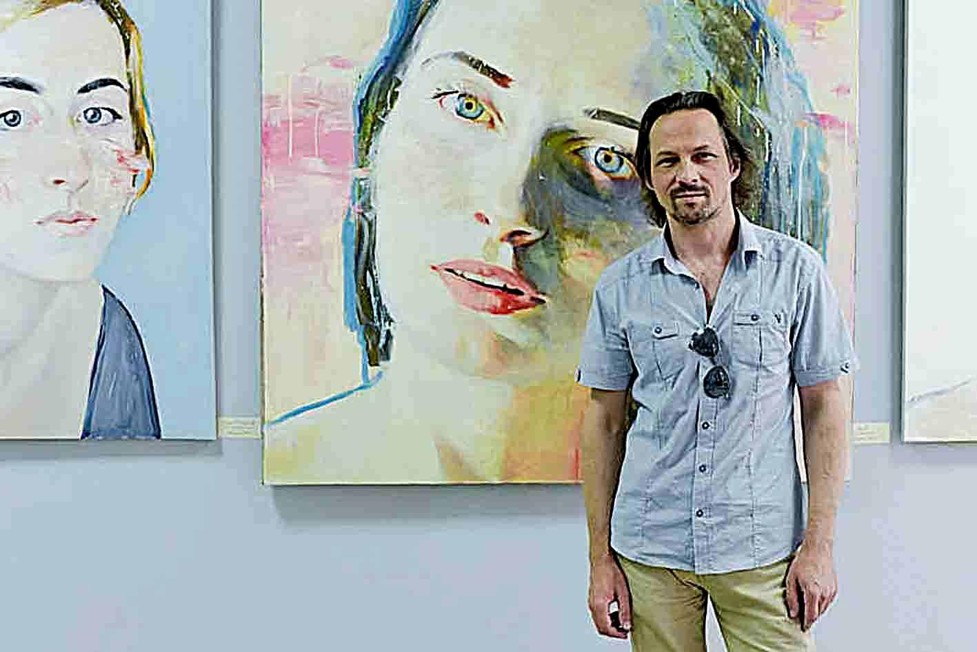 18 ладижинських красунь презентував відомий художник Олександр Шевчук
