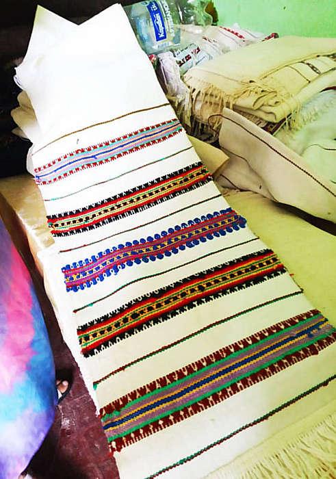 Килими та веретки з неповторними візерунками виготовляють жванські ткалі