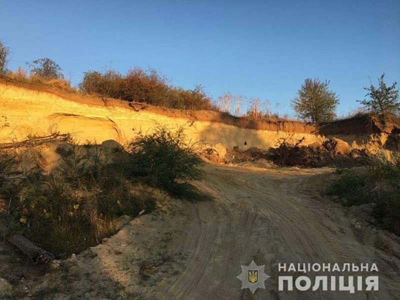 У Томашпільському районі виявили незаконний видобуток піску