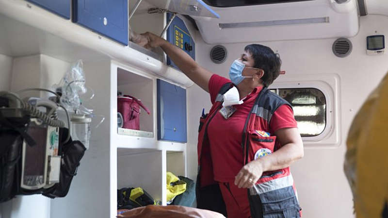 Хворі на ковід лікуються у Бару «на пташиних правах» і медики можуть залишитись без виплат?