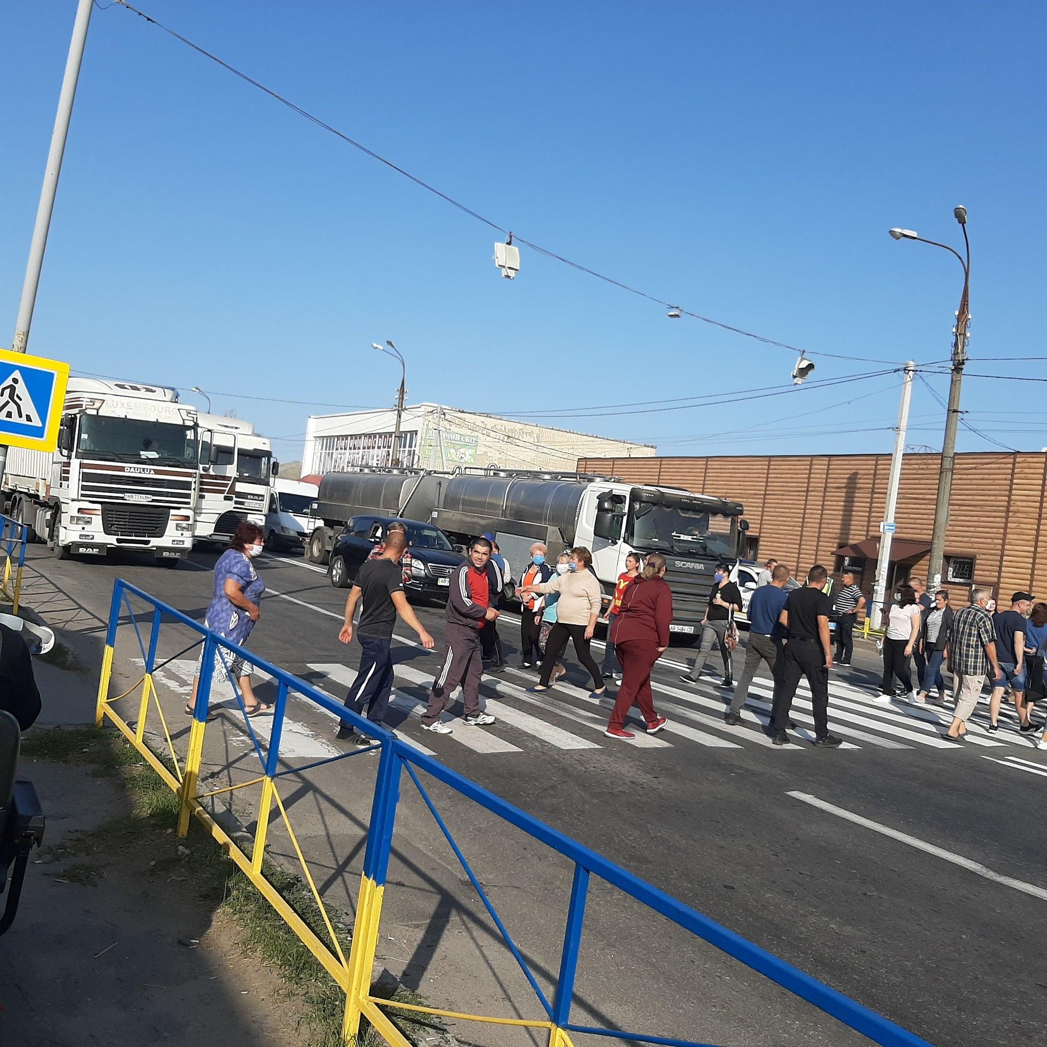 Жиетлі Махнівки сьогодні перекрили трасу через загибель жінки у ДТП