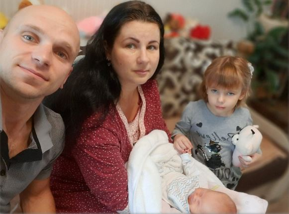 9 дітей, що народились на День міста, сьогодні отримали подарунки від громади Вінниці (відео)