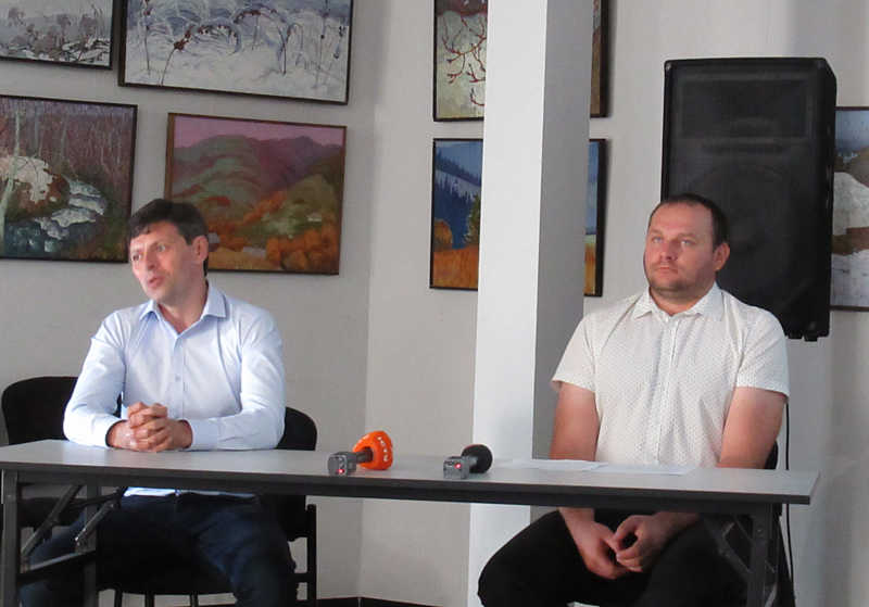 Вінничани Євген Семенов і Анатолій Ковальчук презентувалинову веб-систему вільного дистанційного навчання