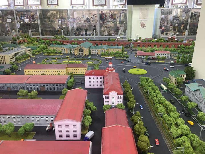 Новими локаціями дивує Вінниця з вітрин Музею моделей транспорту (відео)