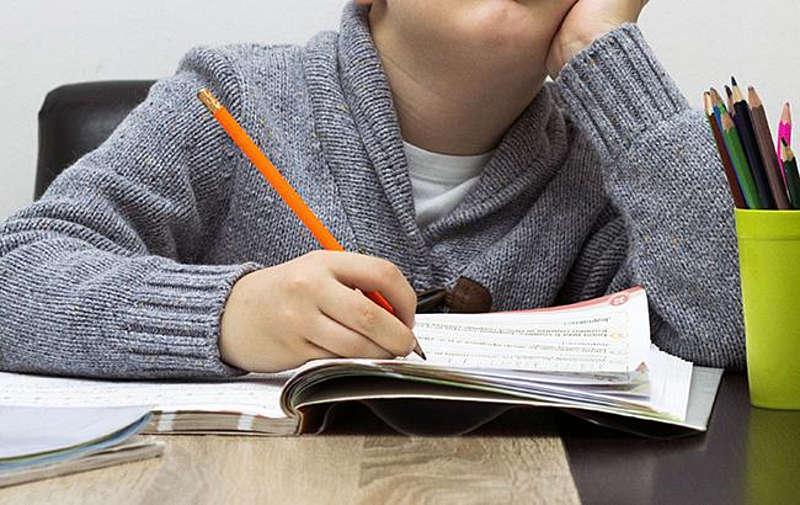 День знань провалився! Тепер 2+3 із дистанційкою чи взагалі домашнє навчання?