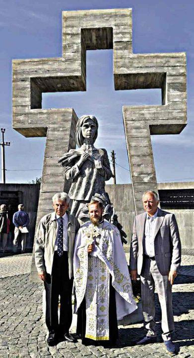 Жертвам Голодомору скульптор-орденоносець присвятив сквер