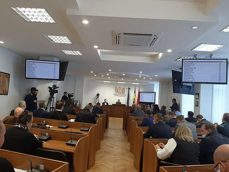 Надбавки медикам + кошти на порятунок вінничан від другої хвилі КОВІДу-19 сьогодні у Вінниці виділила сесія ВМР (відео)
